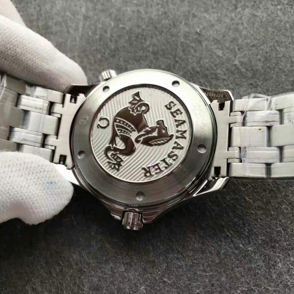 réplique de montre Omega Seamaster